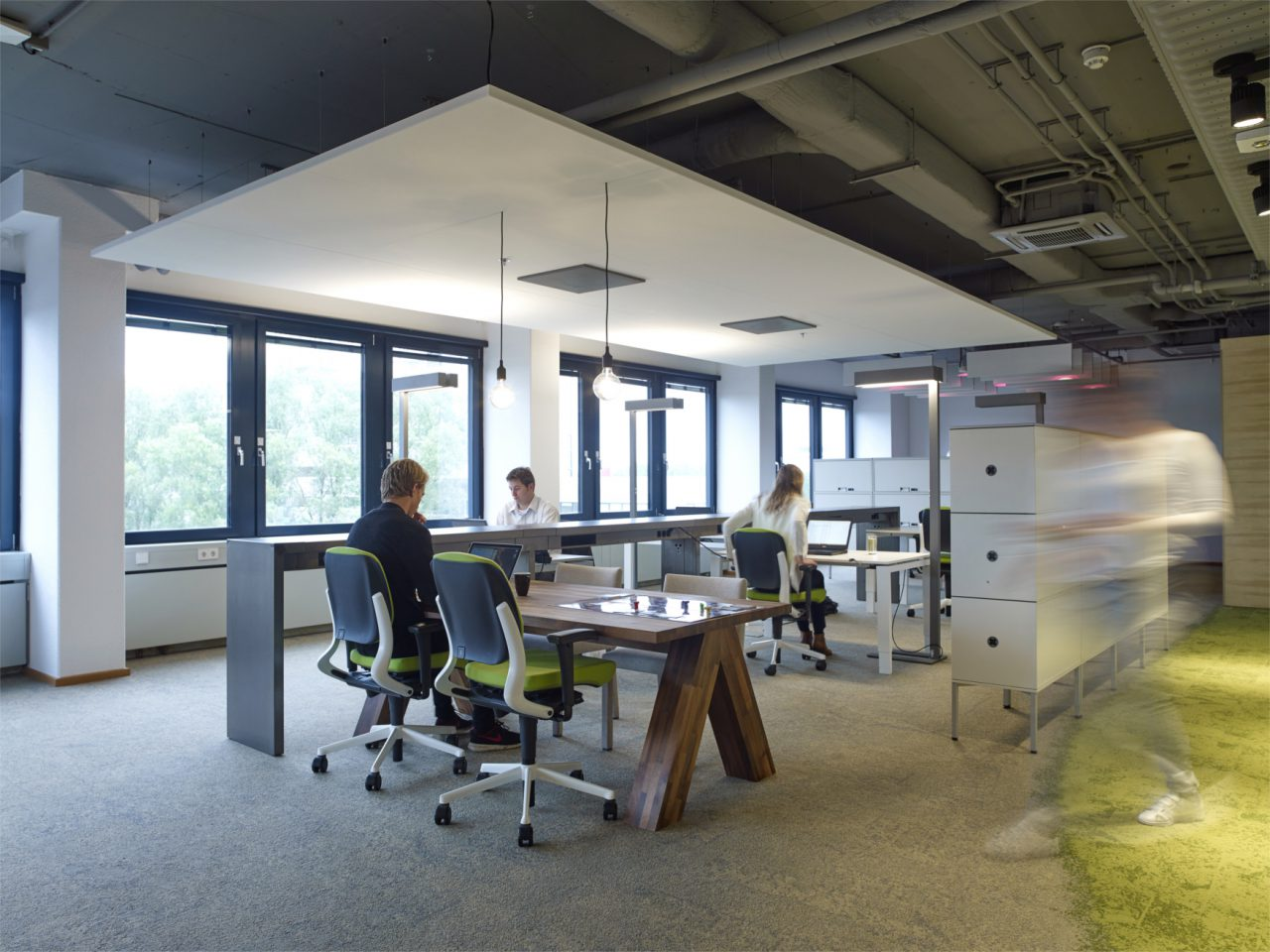 large atop-draaijer-partners-werkplekken
